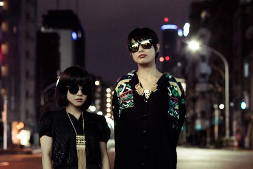 滝沢朋恵 + テンテンコ / photo ©Ryo Mitamura 三田村 亮